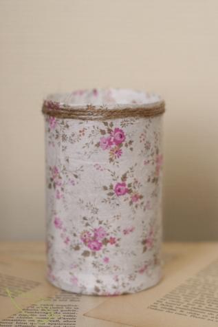 Un pot à crayon DIY à partir d'une boite de Pringles